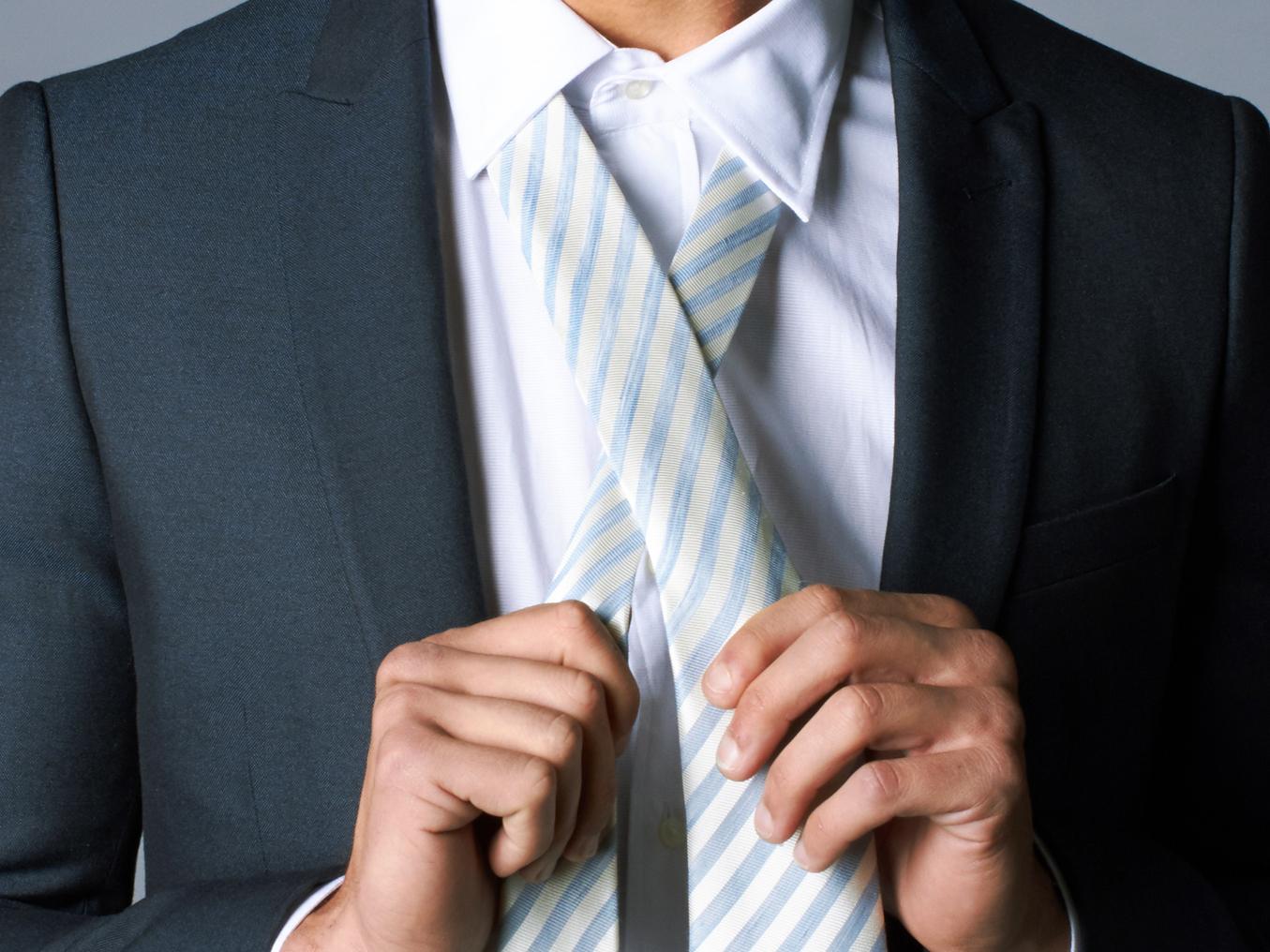 Tying a tie original