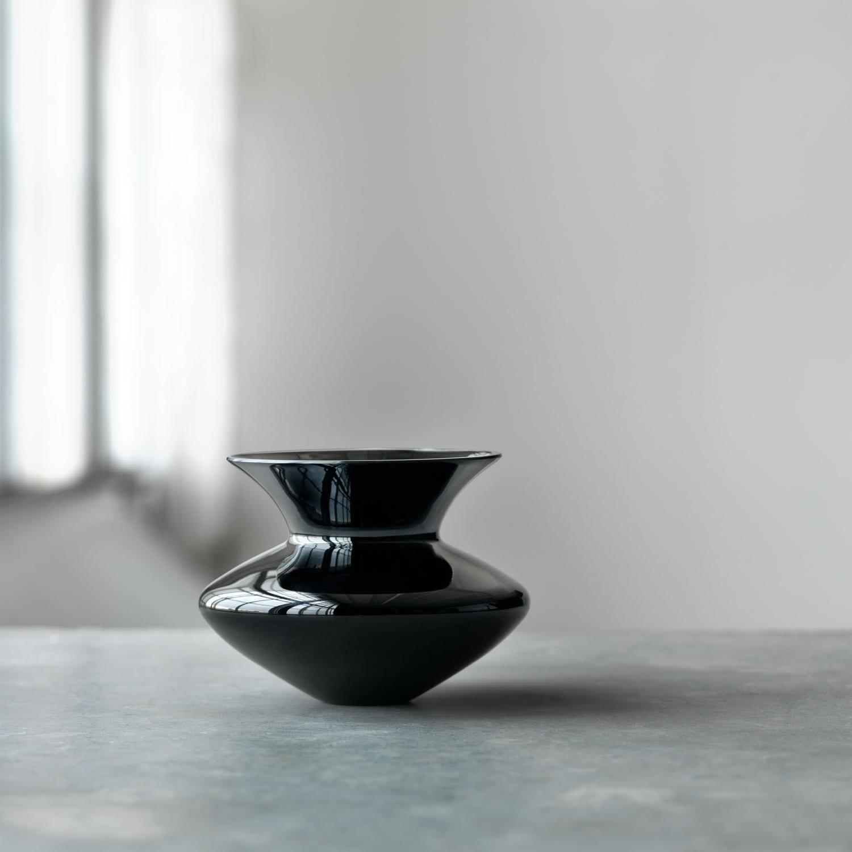 Alev siesbye vase small black rosendahl vases touch of modern alev siesbye vase small black reviewsmspy