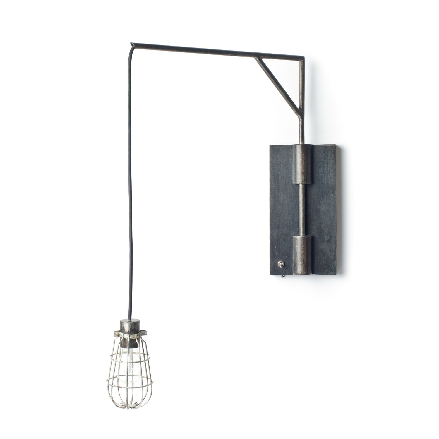 Attirant Swing Arm Wall Sconce