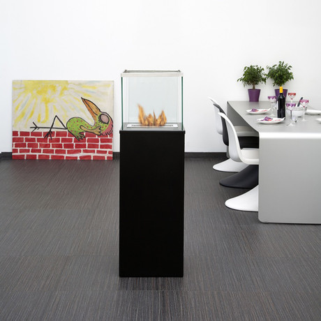 Outdoor Column // Black