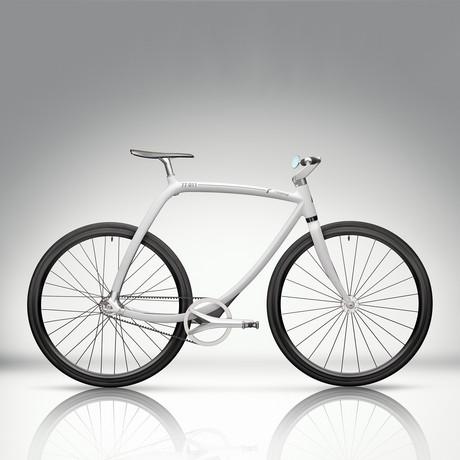 77/011 // White