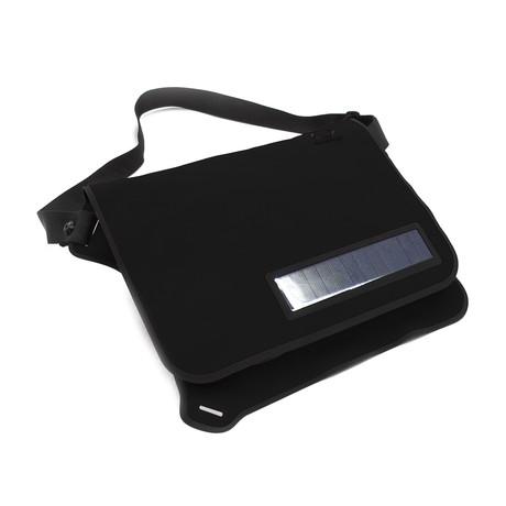 Flat Solar Messenger Bag  // Black (-)
