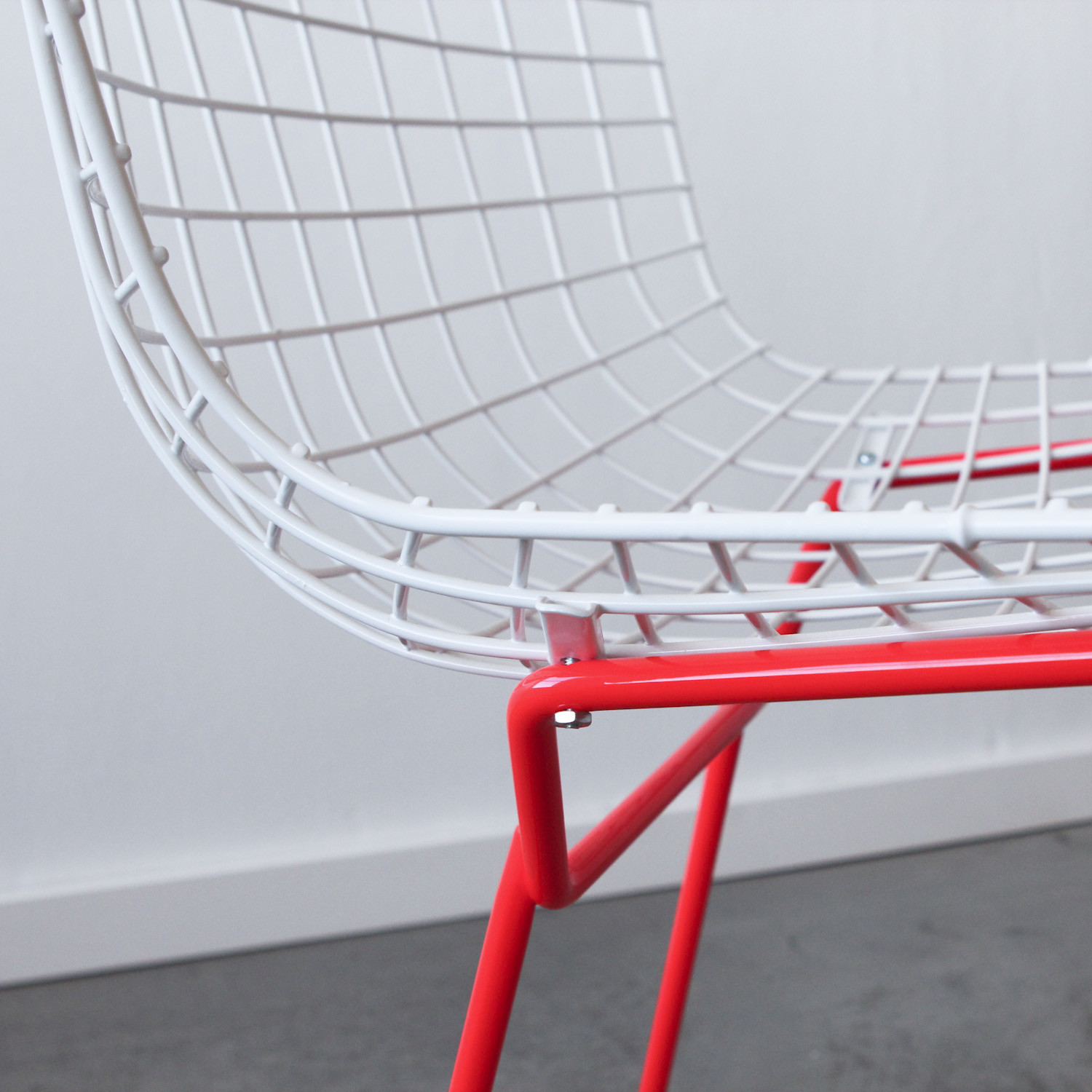 Knoll Bertoia Side Chair // White + Red