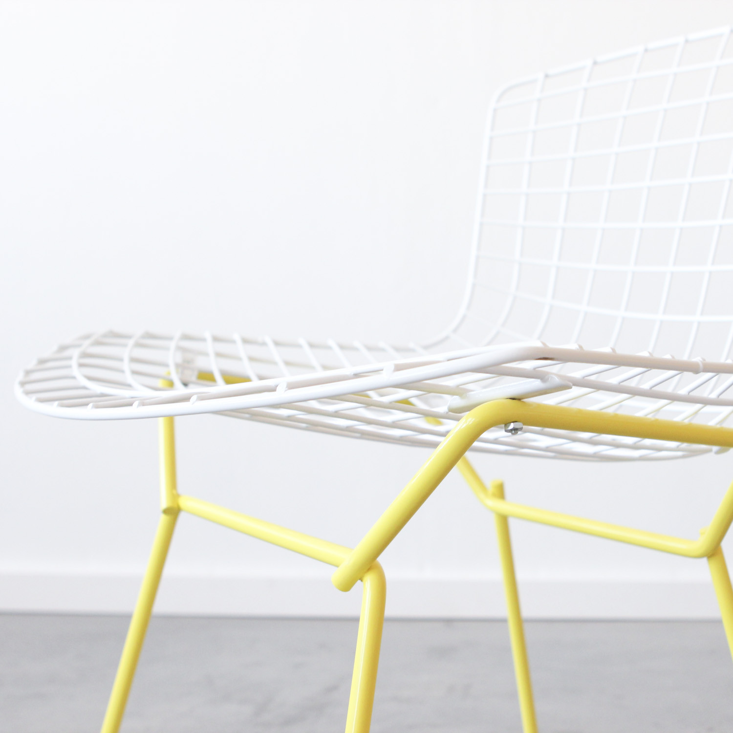 Gentil Knoll Bertoia Side Chair // White + Yellow