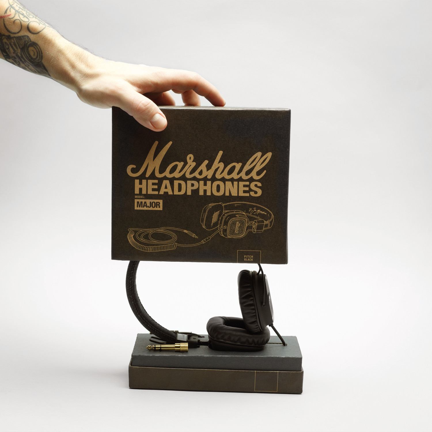 marshall major w microphone pitch black marshall headphones touch of modern. Black Bedroom Furniture Sets. Home Design Ideas