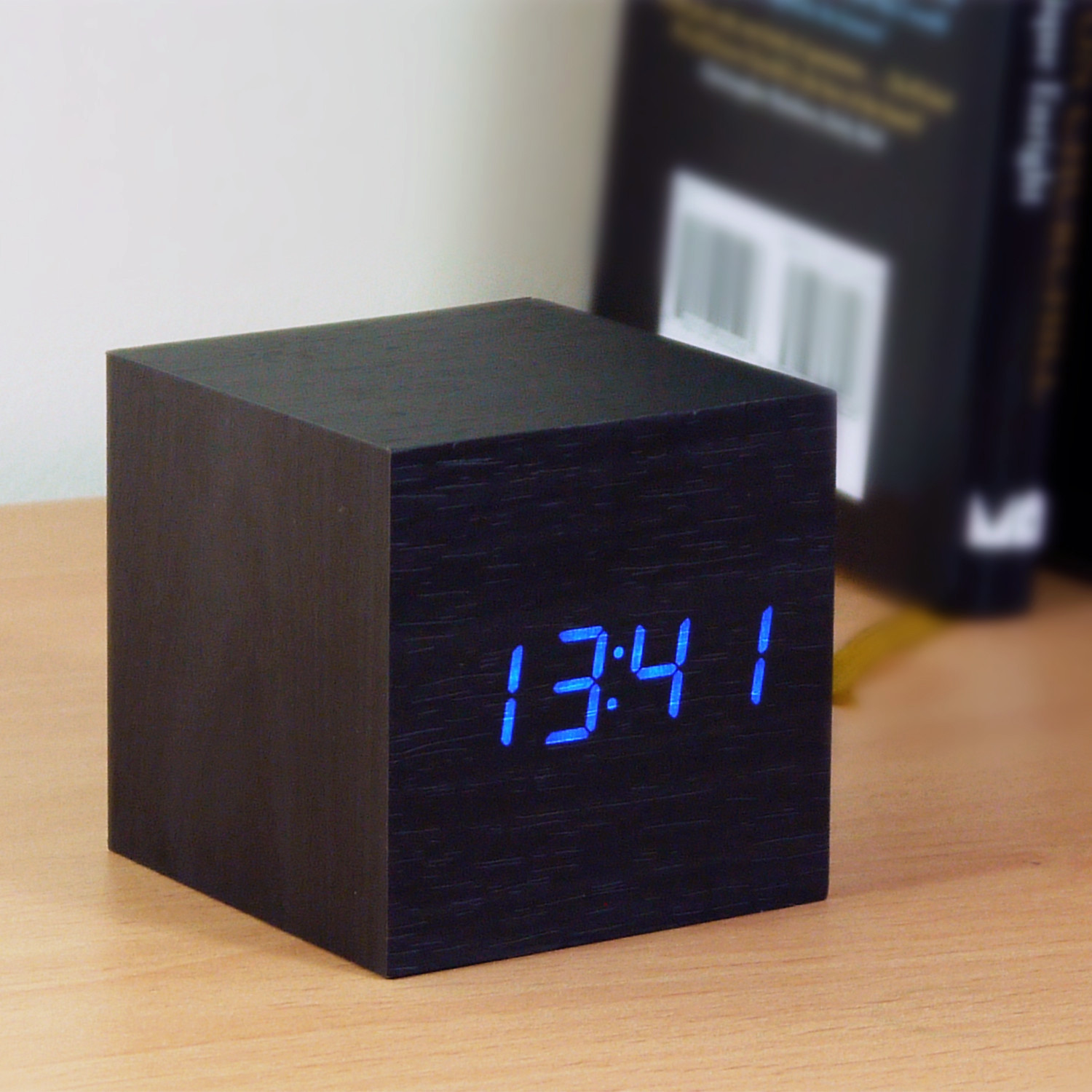 cube click clock black blue led gingko eco touch. Black Bedroom Furniture Sets. Home Design Ideas
