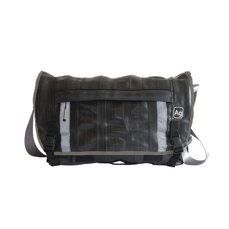 Pike Bag (Black Piping)