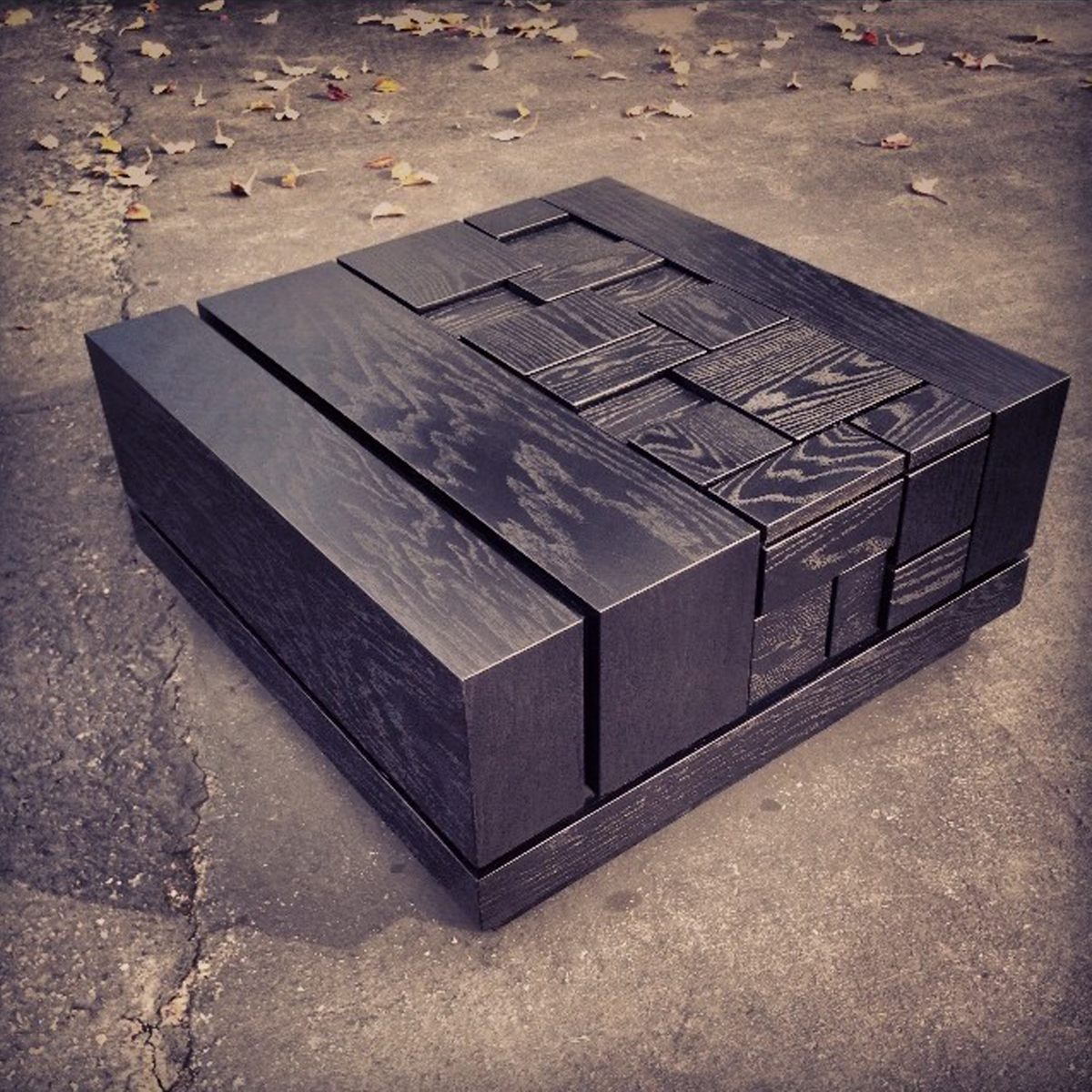 abaci black 34 // square coffee table (two-tone finish // black