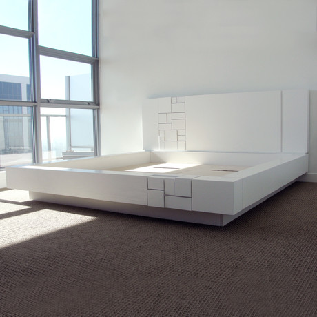 Abaci Bed // White (Standard King)