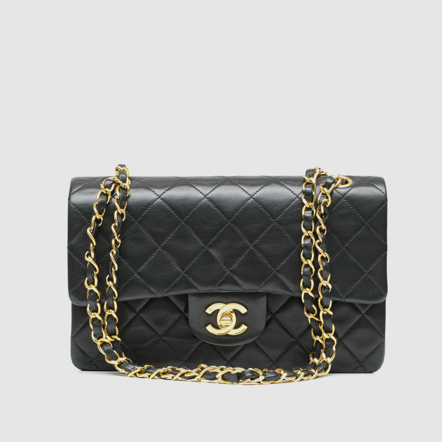36014ef0fb7 Vintage Chanel Small Flap Bag    Black Quilted Lambskin    CHAN27 ...