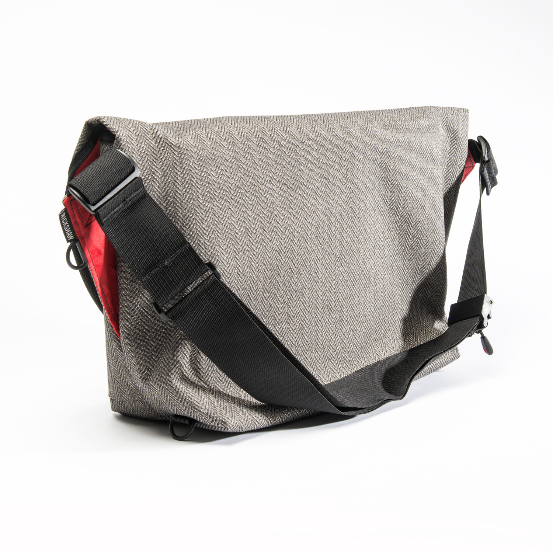 "Medium Zero Messenger Bag with 13"" Laptop Sleeve (Cordura Black ..."