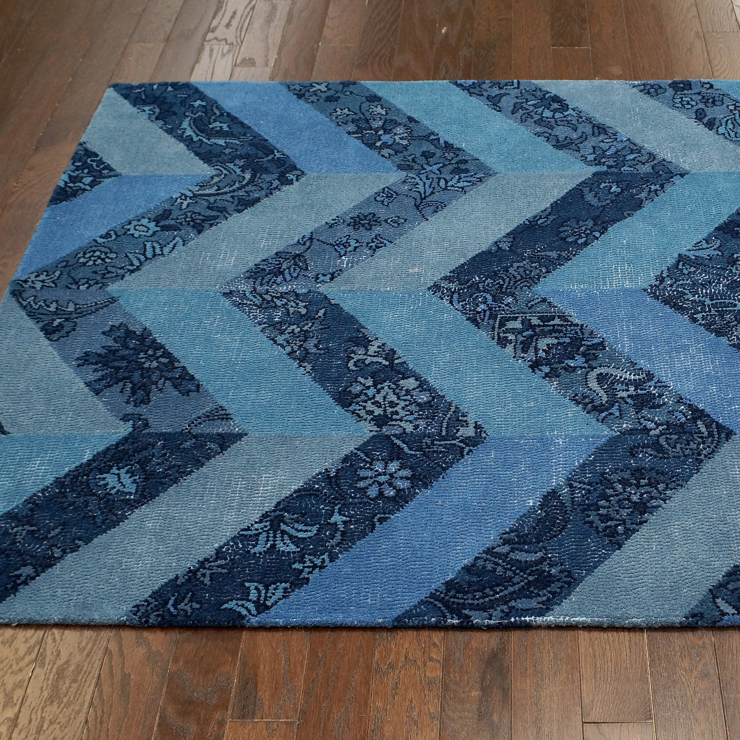 Nuloom Remade Distressed Overdyed Turquoise Area Rug: Duke Overdyed Style Tufted Area Rug // Blue (5'L X 8'W