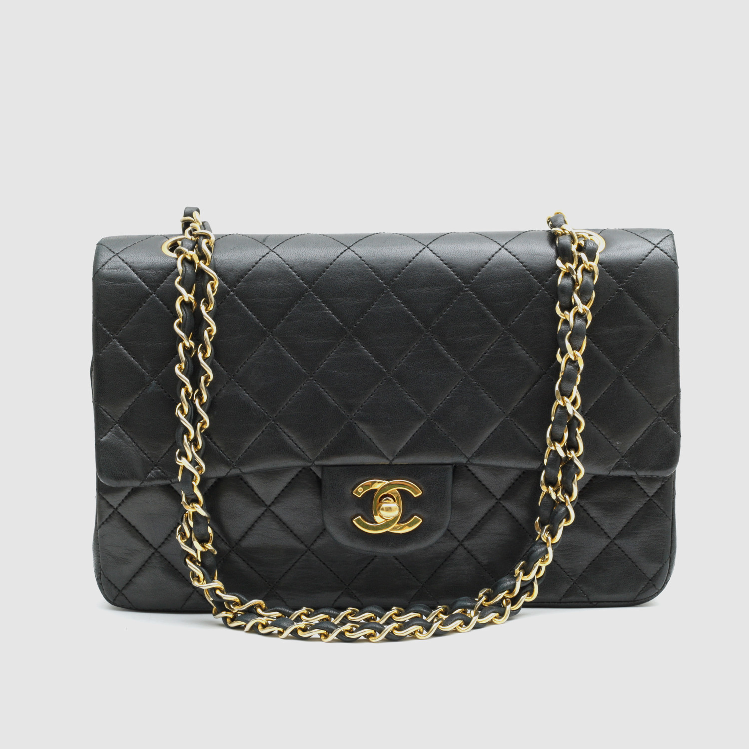 ab5b5a410ab5 Vintage Chanel Classic Flap Bag    Black Quilted Lambskin    CHAN14 ...