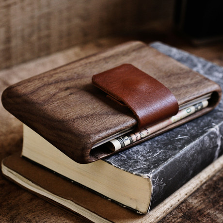 Walnut Wallet (Brown Leather)