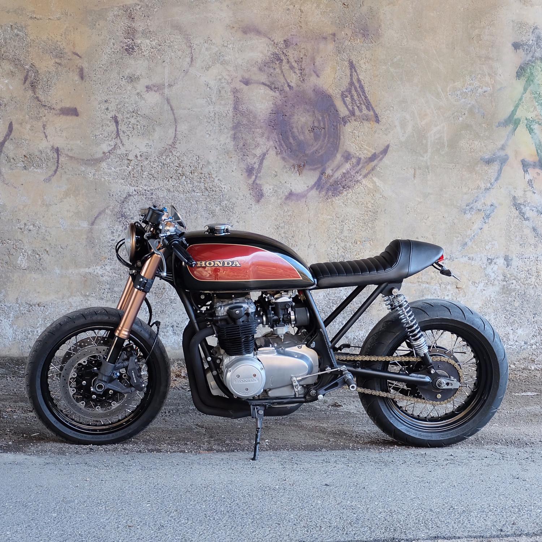 Cognito Moto Custom CB550 Café Racer