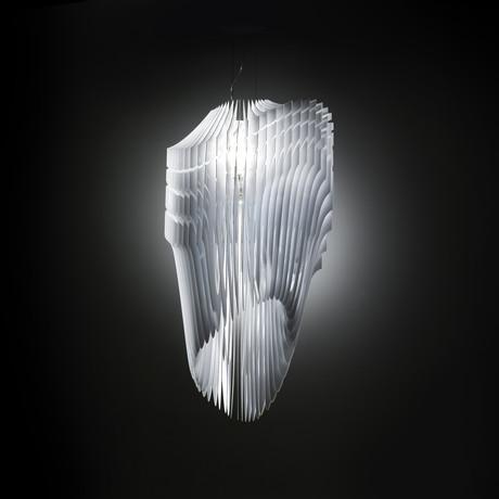 Avia // White