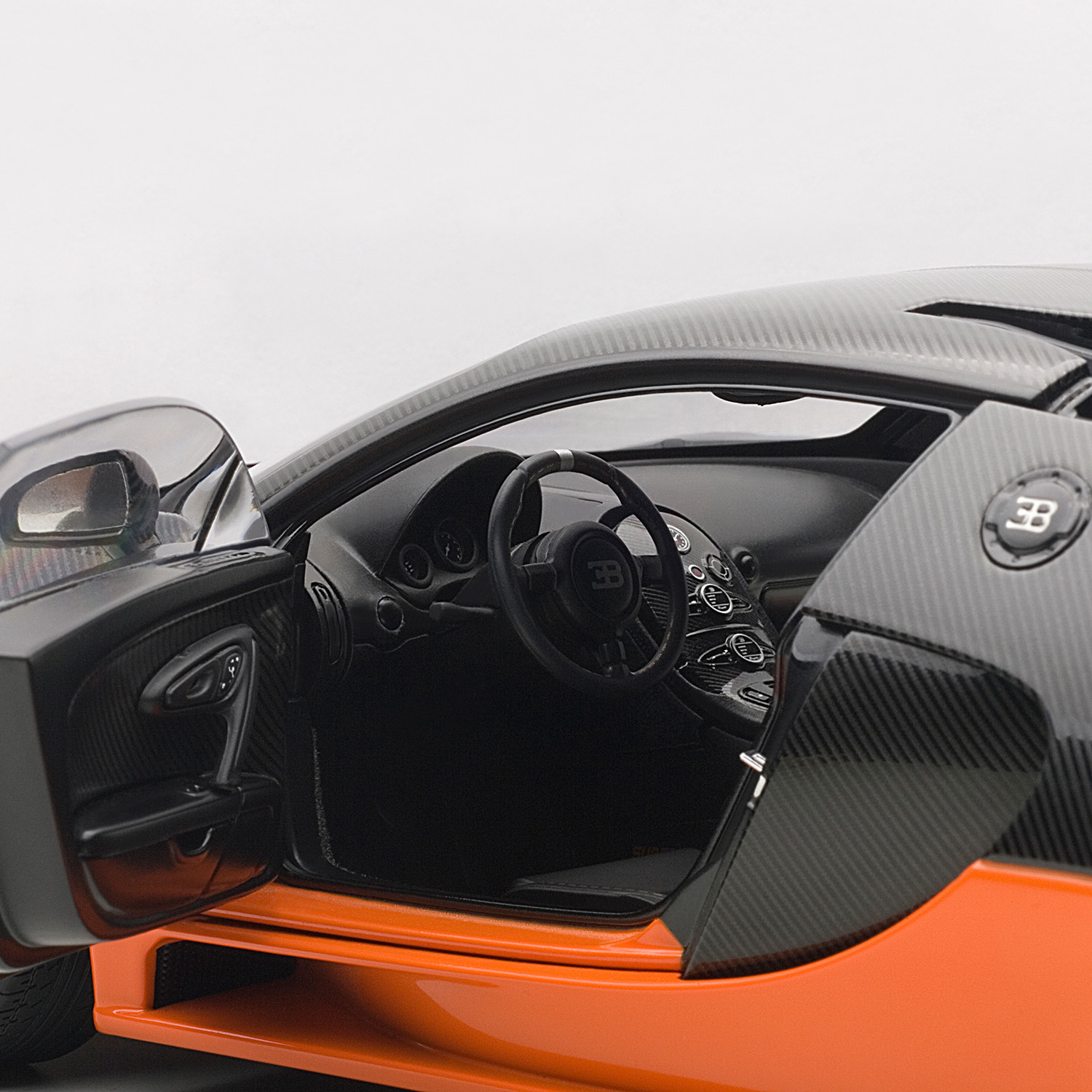 Bugatti Sport: Bugatti Veyron Super Sport (Black & Orange)