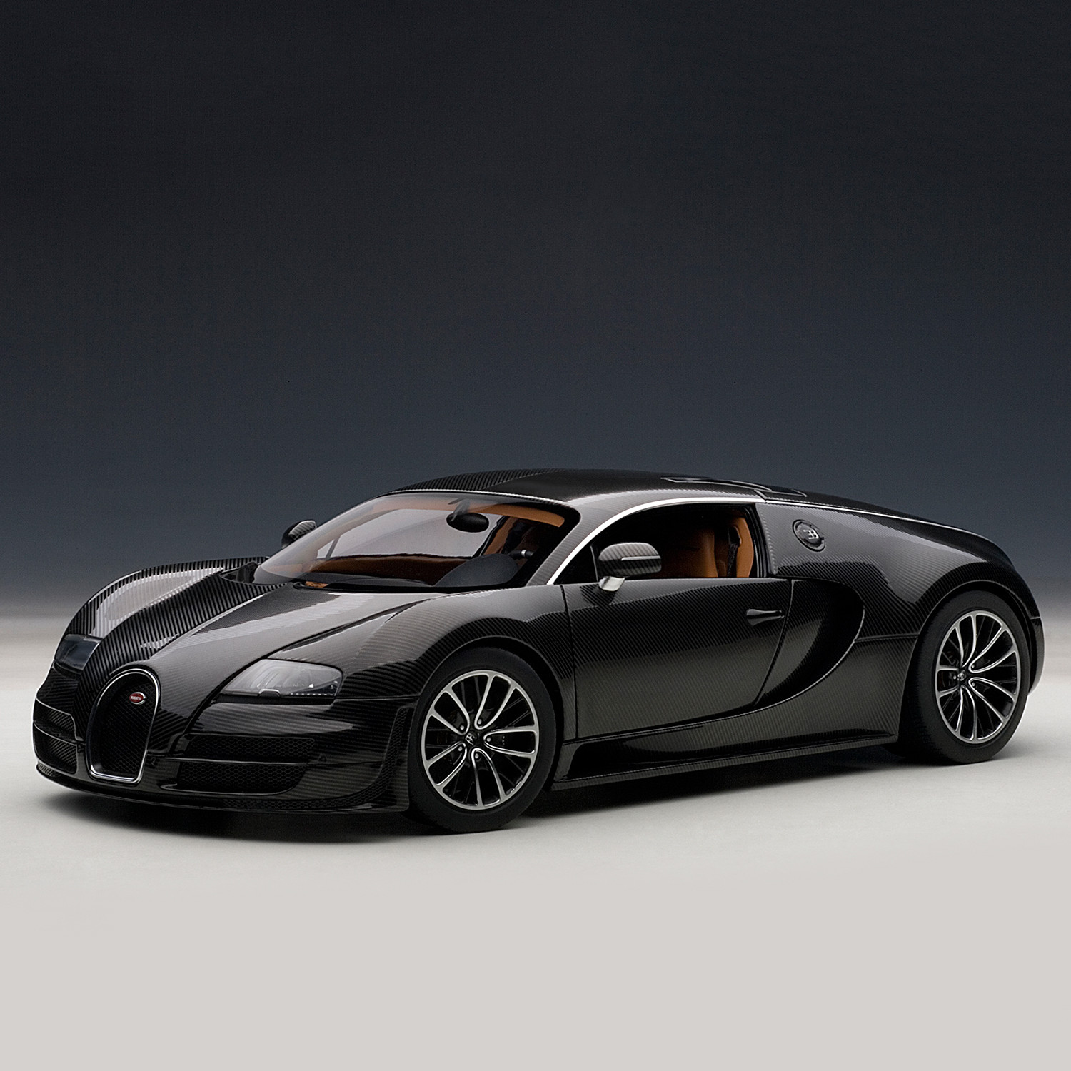 Bugatti Veyron Super Sport (Black & Orange)