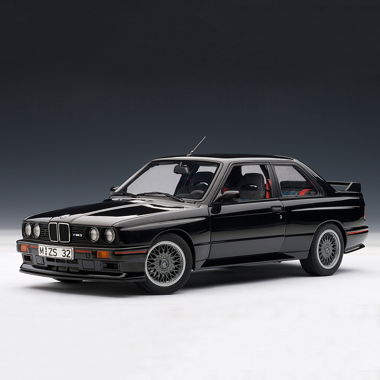 BMW E30 M3 Sport Evolution (Black)
