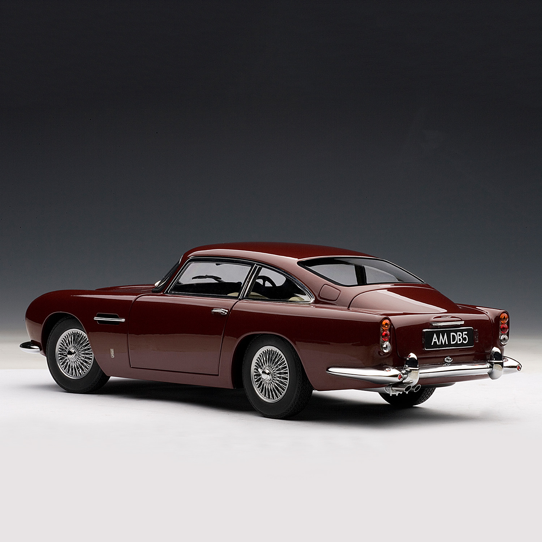 Aston Martin Db5: Aston Martin DB5 // Dubonnet Rosso