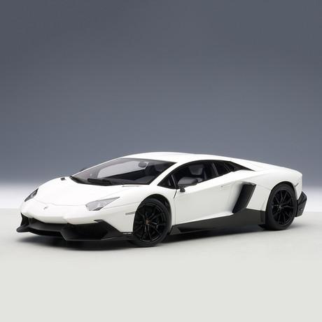 Lamborghini Aventador LP720-4 50th Anniversary Edition // White