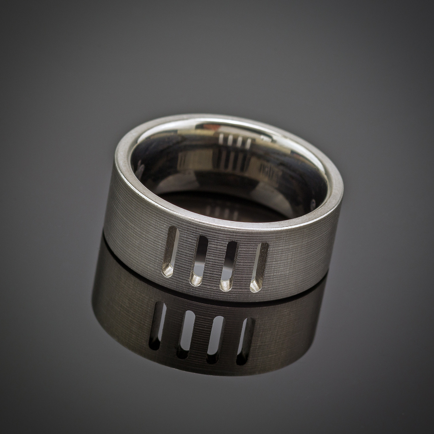how to cut titanium ring