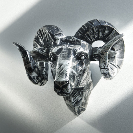 "Ram Head Chrome // 11"" Wide"