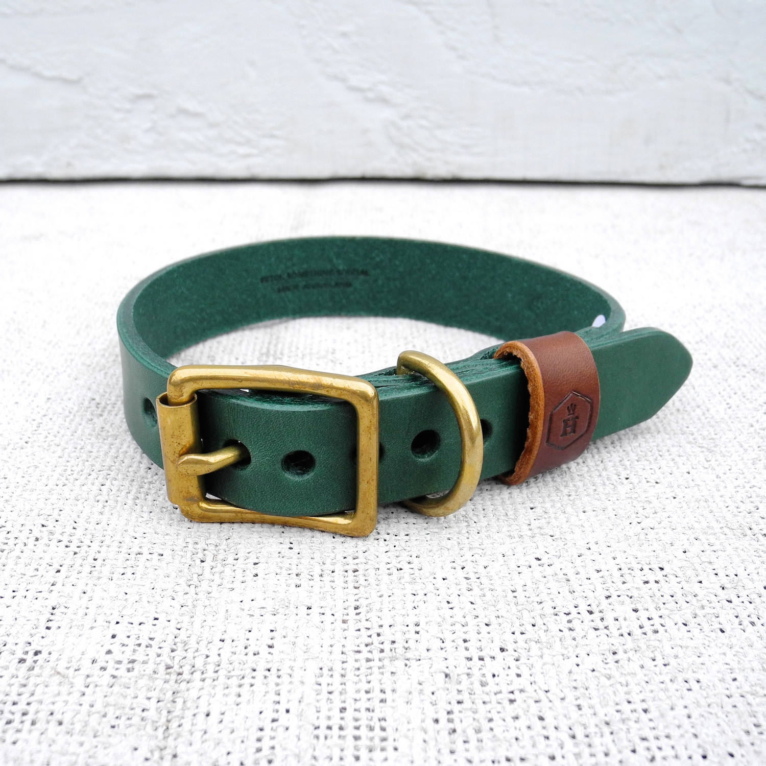 houndworthy  luxury dog accessories  touch of modern - leather dog collar  hunter green  chestnut (small)