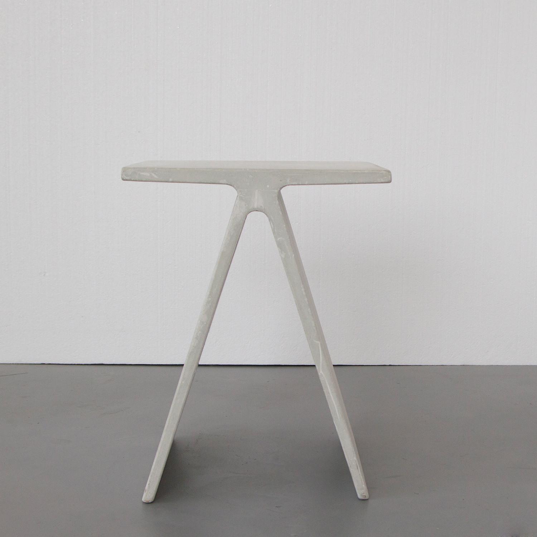 Alpha Q Concrete End Table/Stool (White)
