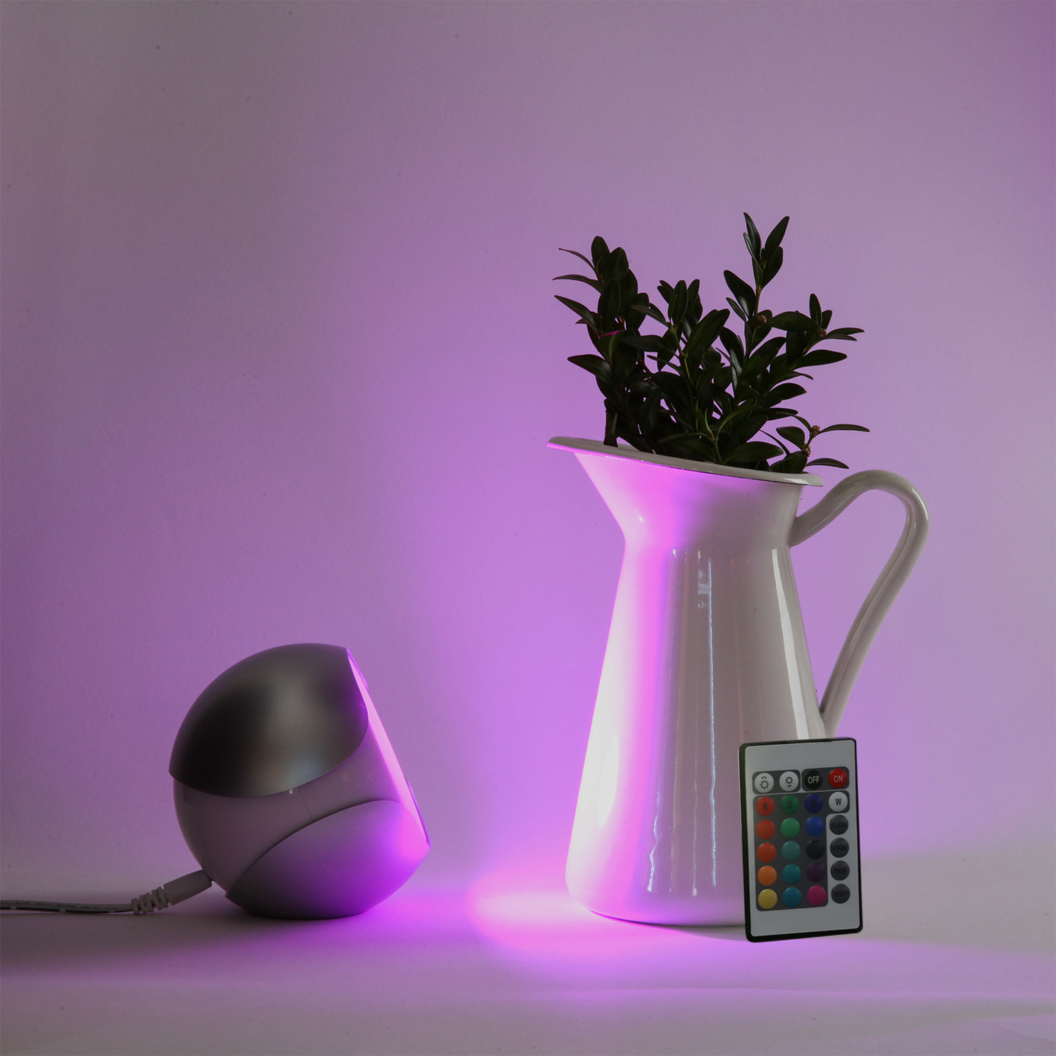LampLust Platinum Uovo Color Changing Mood Light