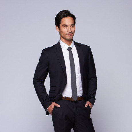 "Wool Two-Button Slim Fit Suit // Navy (US: 32R / 26"" Waist)"