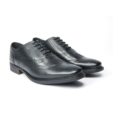 Neville Wingtip Oxford // Black (UK: 8)