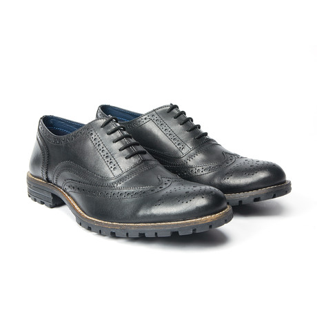 James Wingtip Brogue // Black (UK: 8)