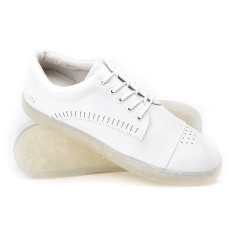 Gram // 430g Leather Low-Top Perforated Toe Sneaker // White (US: 8)