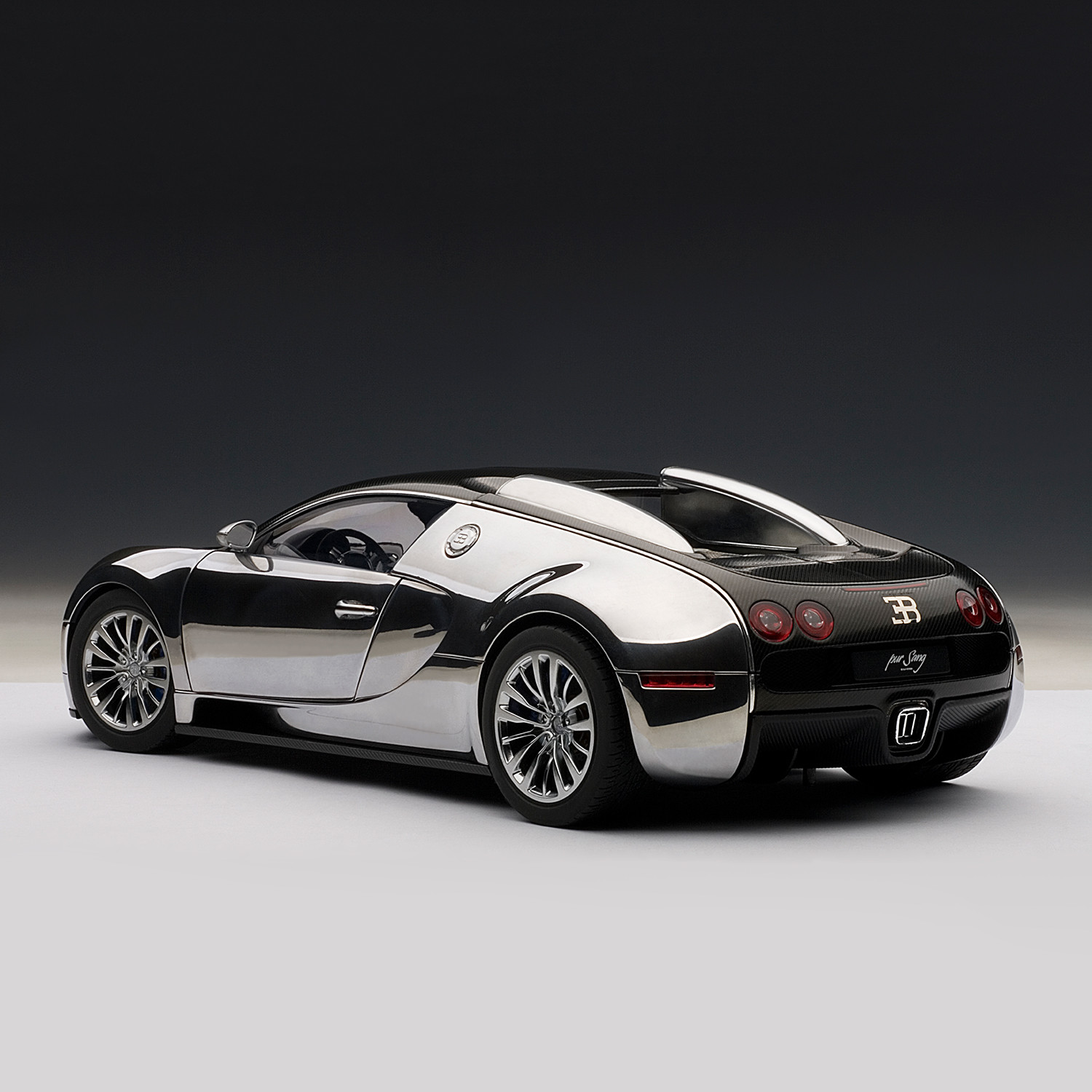 bugatti eb veyron 16 4 pur sang auto art touch of modern. Black Bedroom Furniture Sets. Home Design Ideas