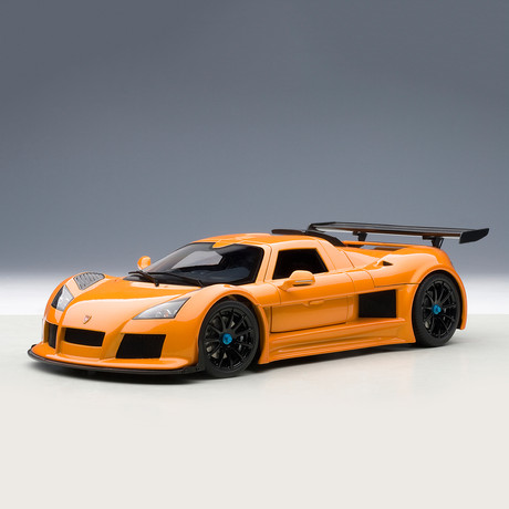 Gumpert Apollo // Metallic Orange
