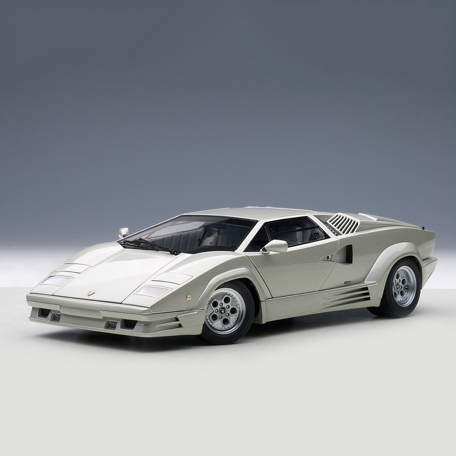 auto art lamborghini countach 25th anniversary edition silver the aut. Black Bedroom Furniture Sets. Home Design Ideas