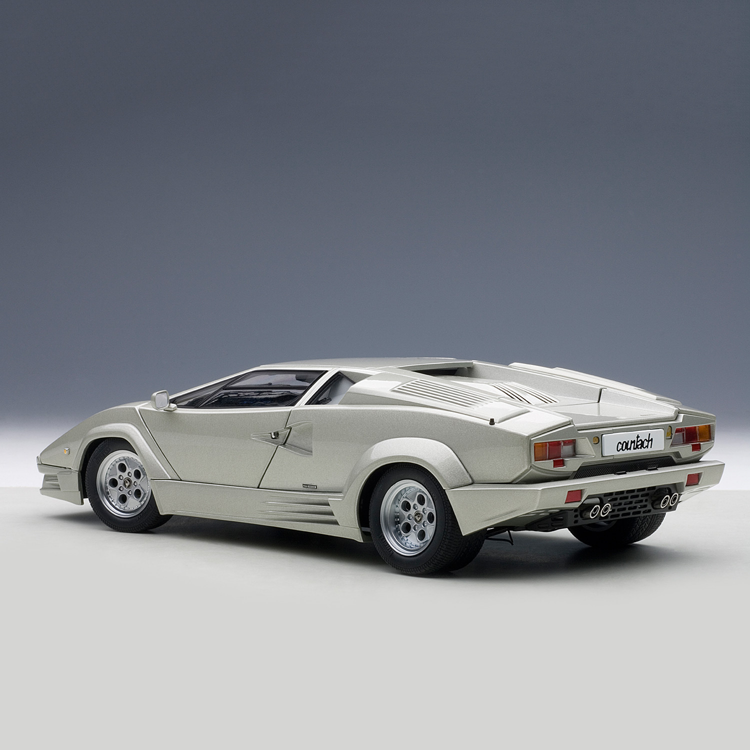 auto art lamborghini countach 25th anniversary edition silver the automotive collection. Black Bedroom Furniture Sets. Home Design Ideas