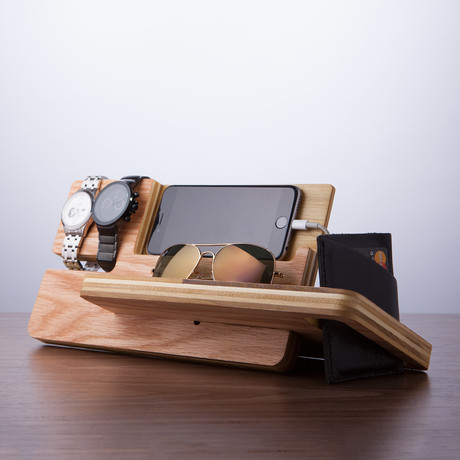 universal smart phone eye and watch dock valet. Black Bedroom Furniture Sets. Home Design Ideas