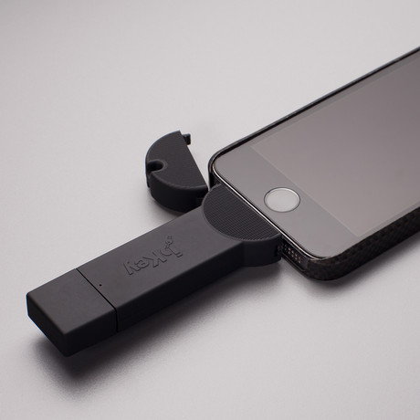 bKey Battery Booster // Black (iPhone Lightning)