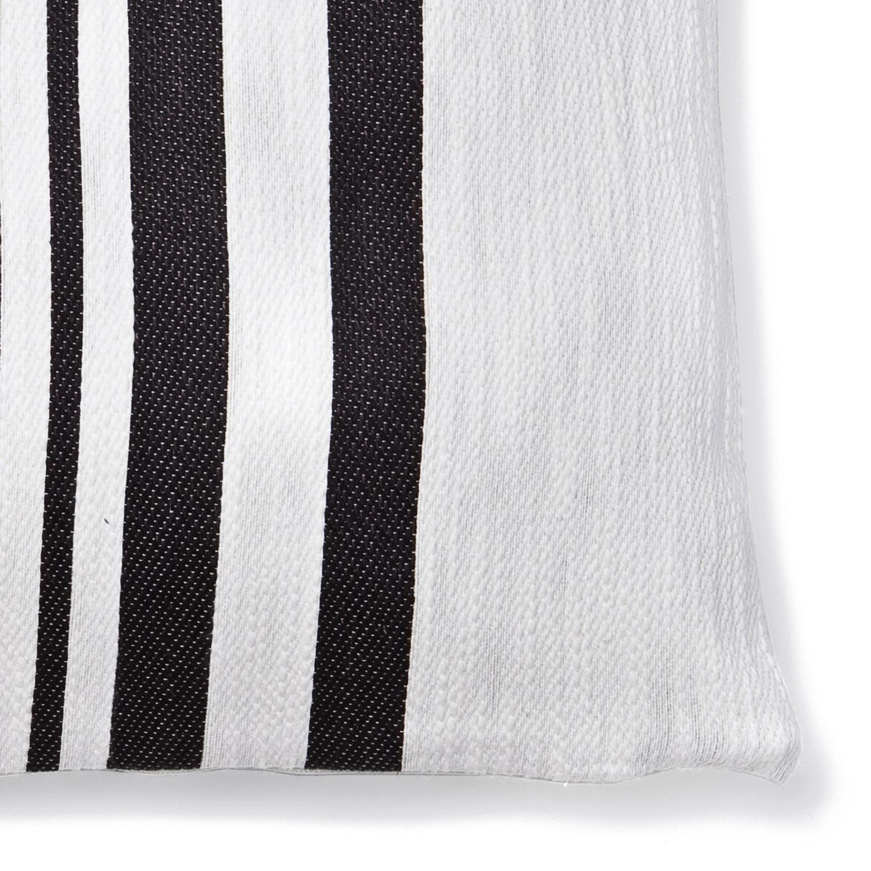 decorative cushion with zipper mauritius mauritius casa di bassi touch of modern. Black Bedroom Furniture Sets. Home Design Ideas