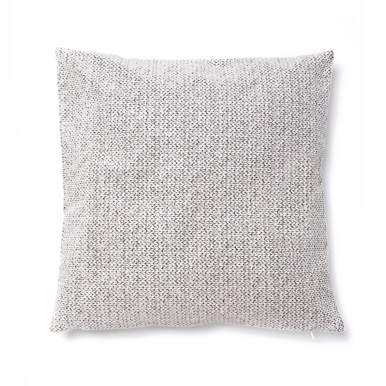 decorative cushion with zipper burundi burundi casa di bassi touch of modern. Black Bedroom Furniture Sets. Home Design Ideas
