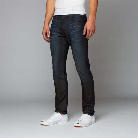 ! punt Denim // # 321 Slimmer // Base Level