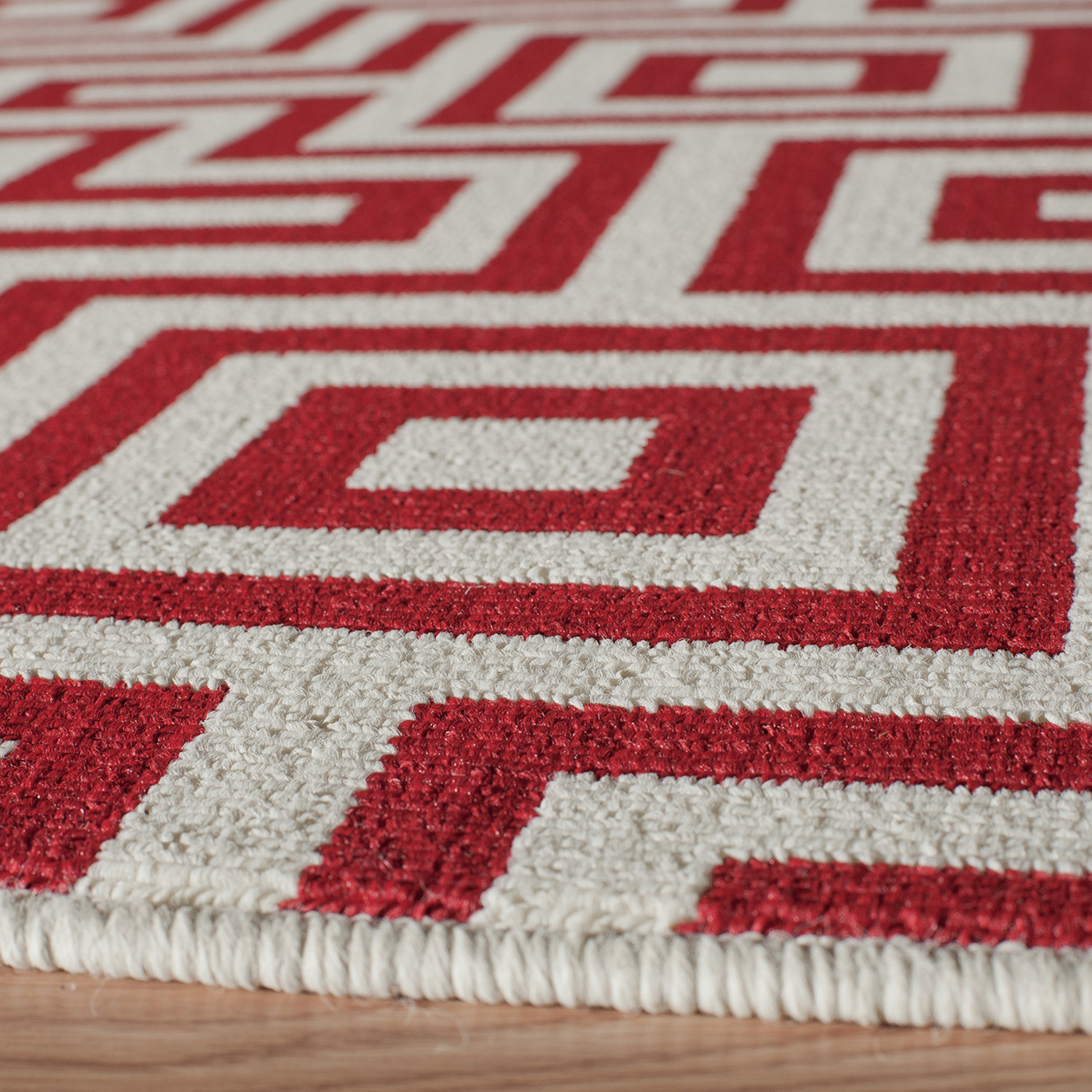 Maze Indoor + Outdoor Rug // Red (2\'-3\
