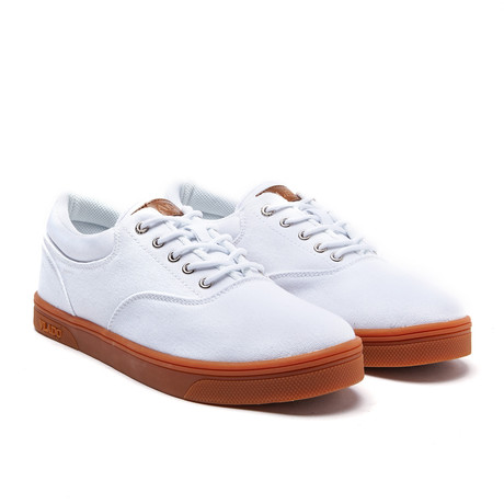 Milo Low // White + Gum (US: 7)