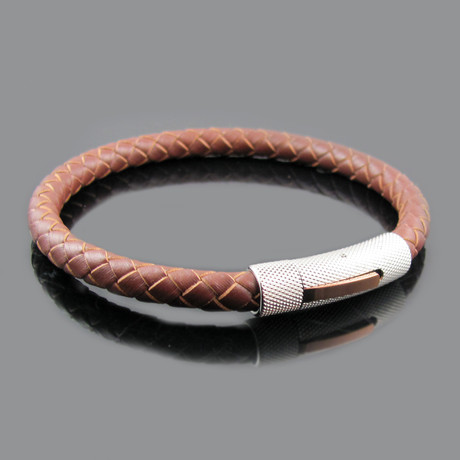 Leather Stainless Steel Textured Clasp Bracelet (Black)