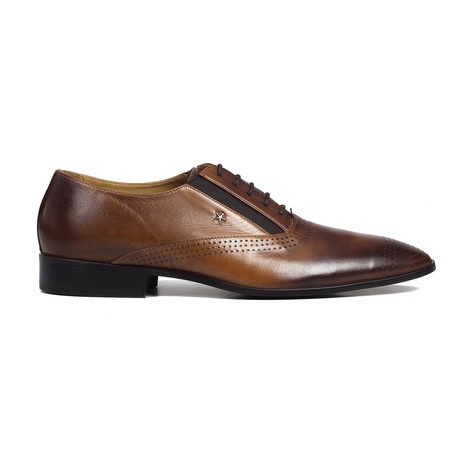 Perforated Toe Oxford // Brown