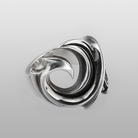 Turbulence in the Sea // Sterling Silver (Size 8)