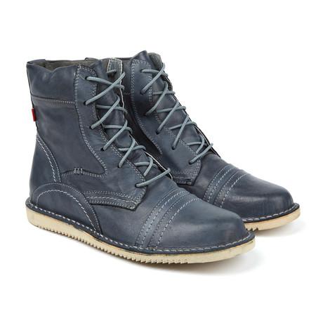 Ngola Lace-Up Boot // Dark Grey