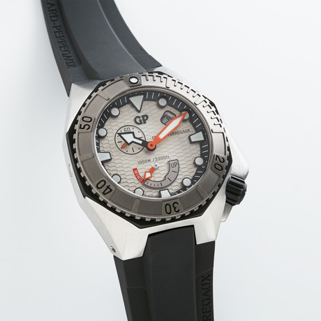 Girard Perregaux Sea Hawk // 49960-11-131-FK6A